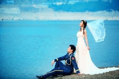 有关军婚的唯美照片_七尺之躯虽已许国亦可许卿唯美军婚婚纱系列