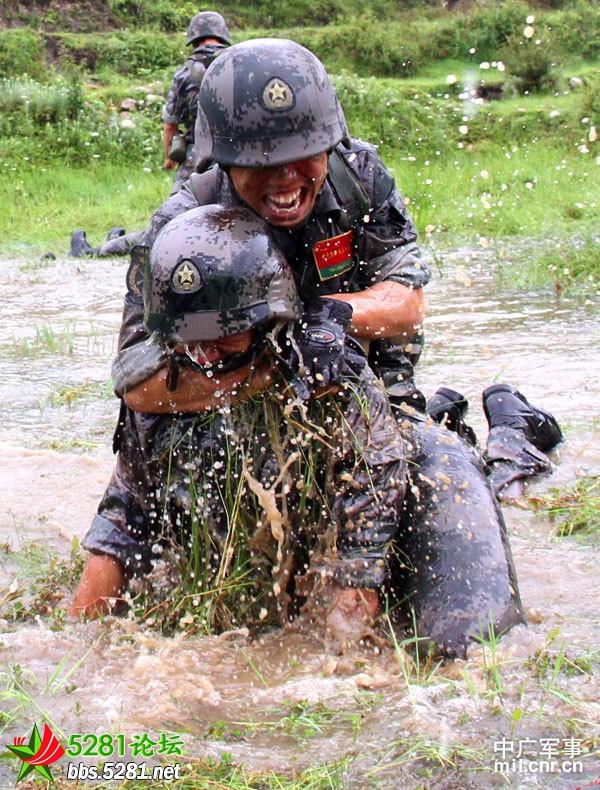 军人生活单兵素材