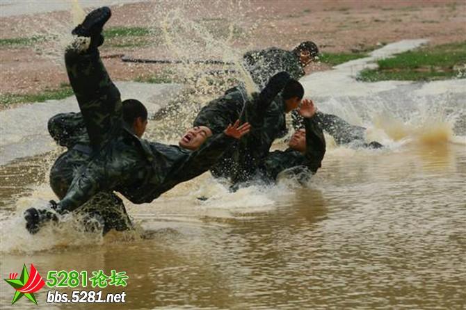 这就是中国武警内卫部队,我们曾经的生活图片