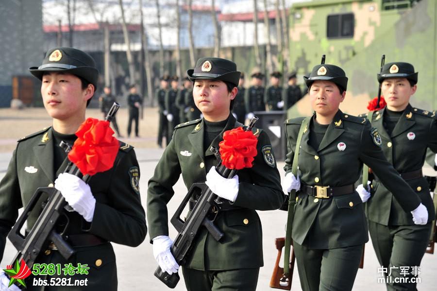 跟武装带女孩一起来看看中国陆军首支女子特种