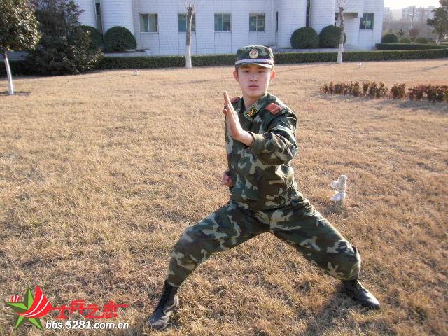 生活 可帅的07军装照图片