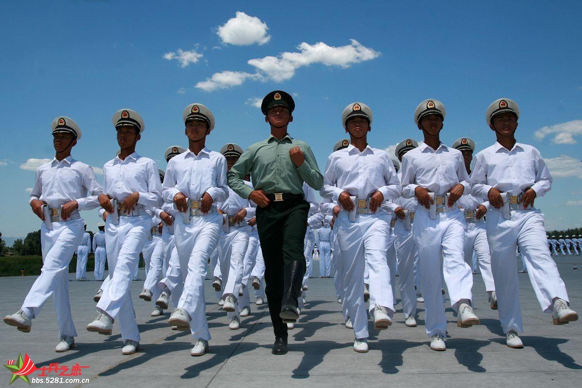 海军学员方队阅兵村训练生活照[高清~~]