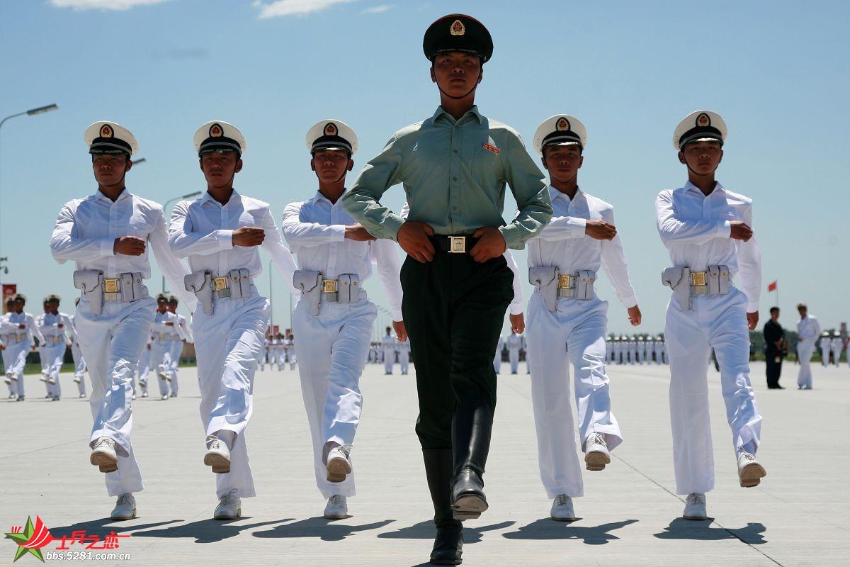 海军学员方队阅兵村训练生活照[高清~~]-军人风采